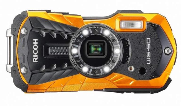 Ricoh WG-50 Orange, 16MP, 5x zoom 28-140mm - outdoor fotoaparát